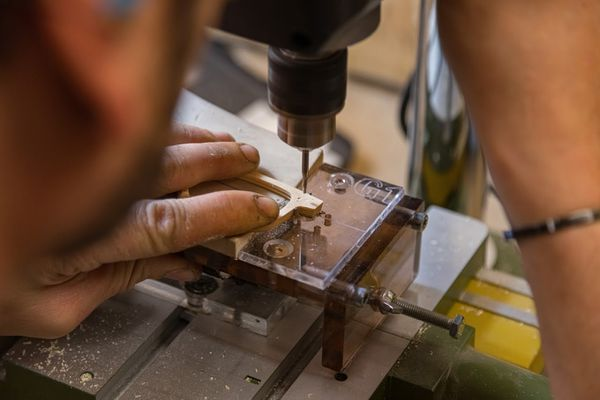 De simple opérateur à artisan lunetier.