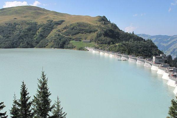 Le barrage de la Girotte en Savoie