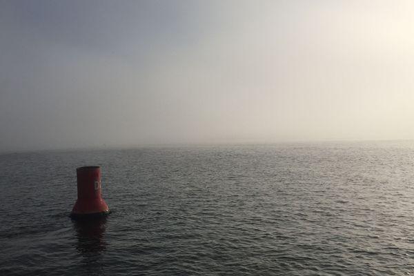 Brouillard sur l'eau dans la rade de Lorient