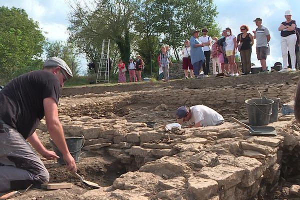 Les journées du patrimoine permettent au public d'approcher de près les fouilles entreprises sur le site d'Alésia.