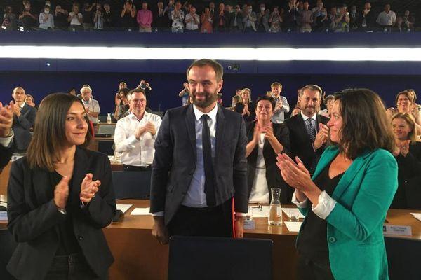 Le maire de Montpellier, Michaël Delafosse, entouré de l'entrepreneure Hind Emad et la tête de liste EELV Coralie Mantion