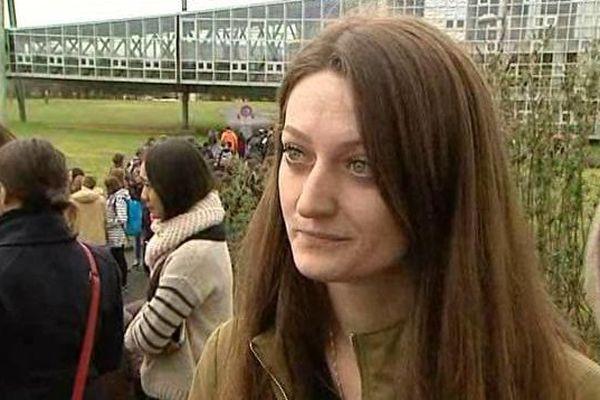 Dafine, 21 ans, menacée d'expulsion