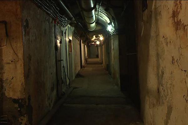 Ce bunker a été entièrement creusé dans le roc, à la base de la montagne du Lasseron