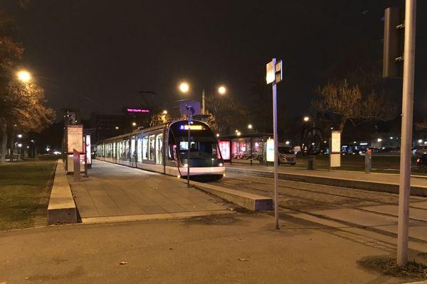 Depuis mai 2020, les cyclistes n'ont plus le droit de monter dans les tramways avec leurs vélos.