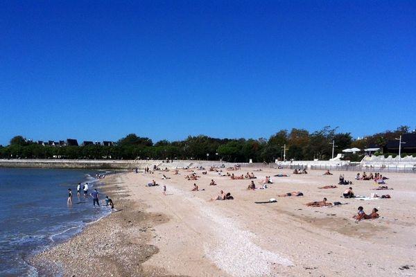 Sur une plage de La Rochelle, ce samedi 18 octobre en début d'après-midi.