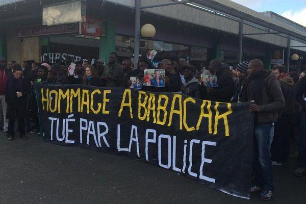 La manifestation en hommage à Babacar dans le quartier de Maurepas le 12 décembre