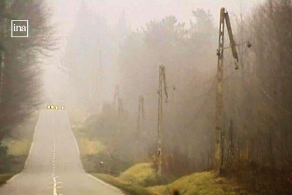 Fin décembre 1999, ce sont des centaines de kilomètres de lignes électriques aériennes qui sont fauchées par la tempête.