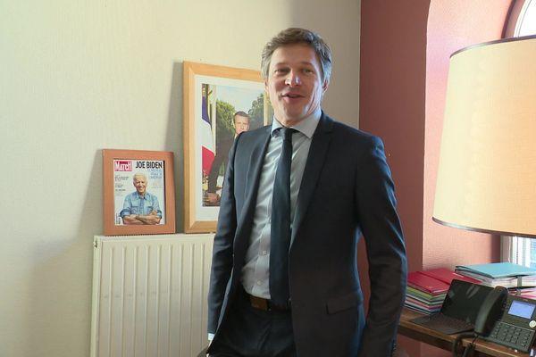 Benoit Vuillemin, maire (SE) de Saône