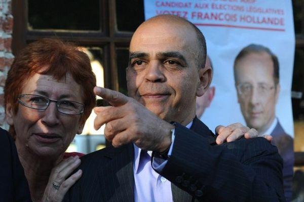 Kader Arif et sa suppléante Emilienne Poumirol en campagne en juin 2012