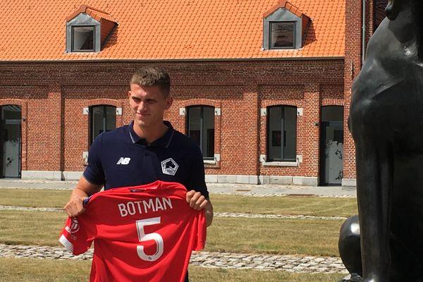 Sven Botman vient de l'Ajax d'Amsterdam
