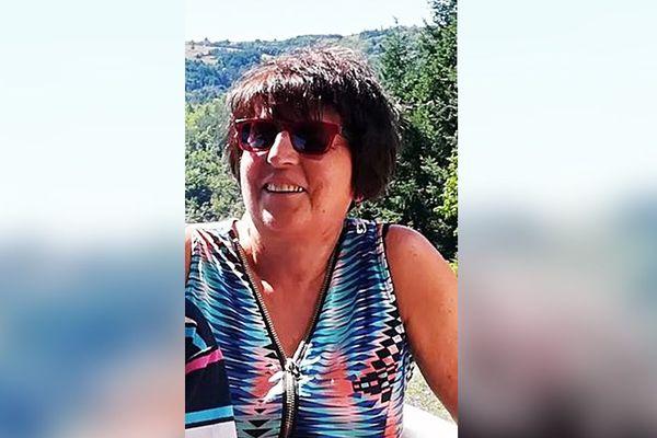Depuis le 01 janvier 2021, la gendarmerie de l'Aude recherche Mme Christiane Glas. Elle a été vue pour la dernière fois lors d'une promenade vers 15h entre Coursan et Vinassan.