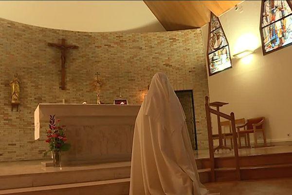 Mais que se passe-t-il au couvent de Saint-Aignan-de-Roë ?