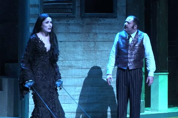 """Un version du spectacle """"La Famille Addams"""", au Palace."""