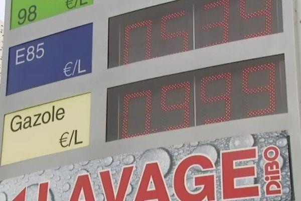 Le diesel à moins d' 1€ dans plusieurs stations de la région.