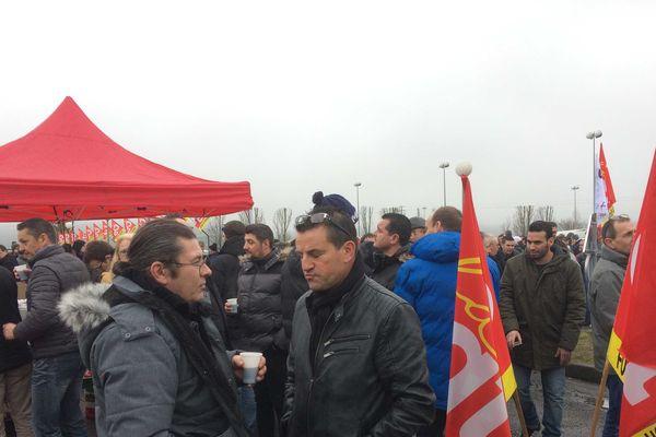 400 salariés étaient mobilisé ce mardi matin pour bloquer le site des Fonderies du Poitou