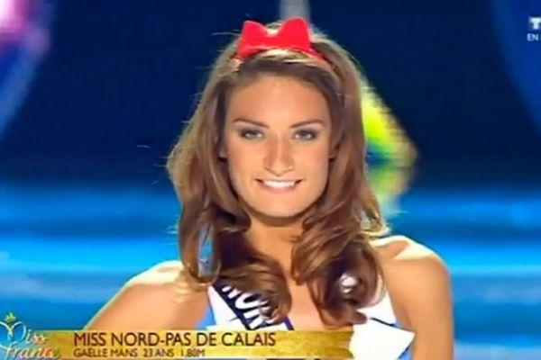 Gaëlle Mans, Miss Nord Pas-de-Calais 2013, lors du défilé en maillot de bain le 7 décembre 2013 à Dijon
