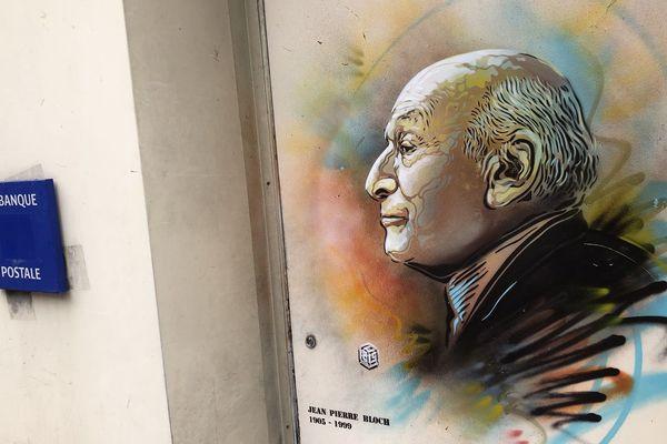 Jusqu'aux Journées du Patrimoine, C215 va habiller les murs de Laon de portraits de personnages célèbres ayant un lien avec la ville.