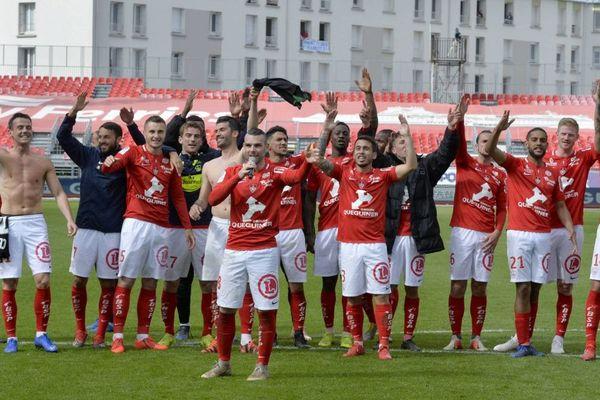 Les joueurs du Stade Brestois après leur victoire en championnat face à Lens - 27/04/2019