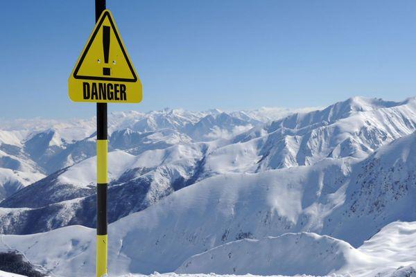 Après les récentes chutes de neiges, le risque d'avalanche est important sur certaines parties du massif pyrénéen. Les autorités appellent à la plus grande vigilance en rappelant les règles de sécurité pour les sorties en montagne.