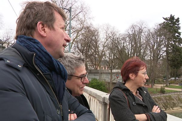 Anne Vignot et Yannick Jadot en février 2021 à Besançon.