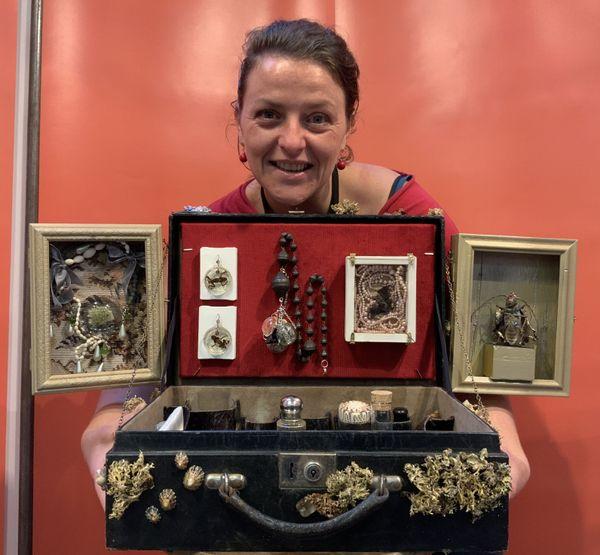 Entomologiste, artiste et artisan