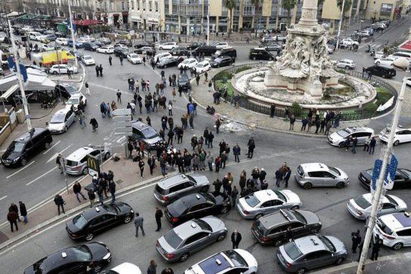 A Marseille, les taxis occupent toujours la place Castellane