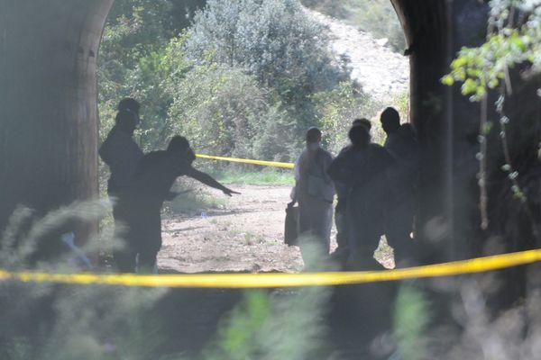 Nîmes - la police sur les lieux du drame dans le tunnel sous la voie ferrée - septembre 2015.