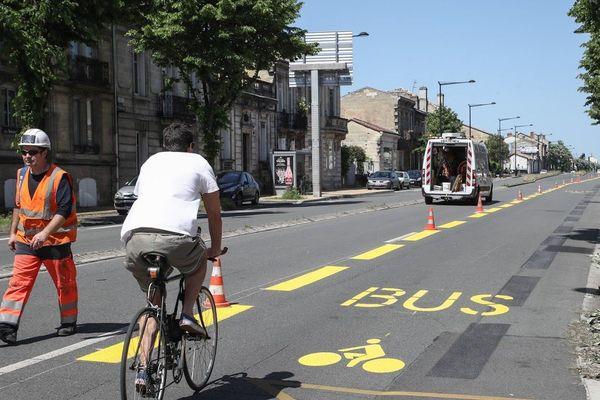 Des pistes cyclables temporaires sont aménagées à Bordeaux
