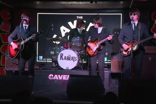 Les Rabeats en concert au Cavern Club de Liverpool (Royaume-Uni), le 7 janvier 2020.