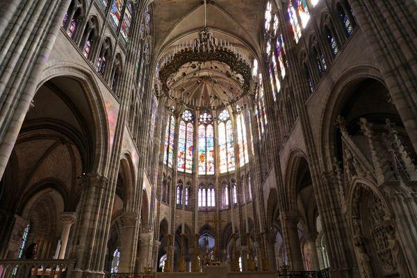 L'ancien prêtre de l'église des Lilas en  Seine-Saint-Denis suspendu suite à la révélation de son histoire avec une paroissienne