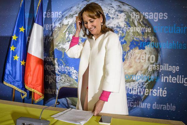 Octobre 2016 : la ministre de l'Ecologie, Ségolène Royal, lors d'une conférence de presse consacrée a l'entrée en vigueur de l'Accord de Paris de la COP 21.