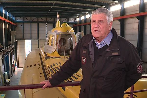 Marius Orsi, devant le plus grand sous-marin civil du monde