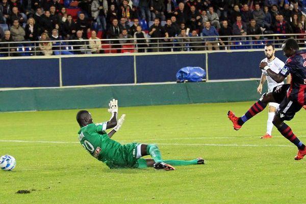 28/10/16 - 16e de finale de la Coupe de la Ligue GFC Ajaccio - Guingamp, les gaziers ont ouvert le score à la 34e minute sur un but de Zoua