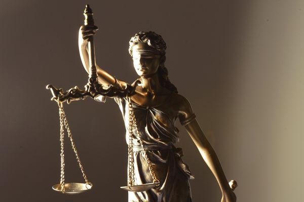 Le parquet avait requis 14 ans d'emprisonnement contre l'accusé, pour sanctionner « la lâcheté d'un faible face à plus faible ».