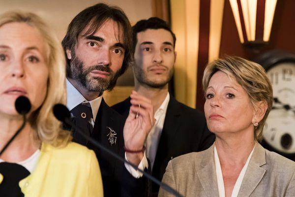 Anne-Christine Lang aux côtés de Cédric Villani, lors d'une conférence de presse, le 19 septembre 2019.