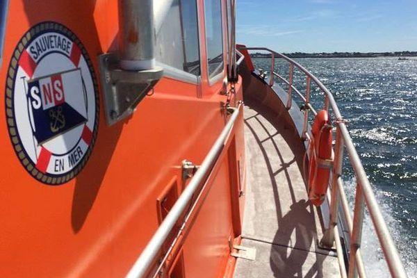 Une vedette de la SNSM lors d'une sortie en mer