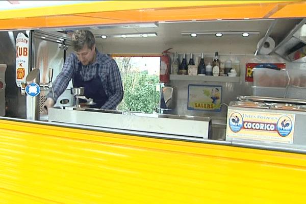 """Benoît Lavalade, président de Yes We Truck et patron du Food Truck """"Chez René"""", sera à 19h l'invité du journal régional de France 3 Limousin."""