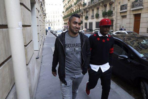 Dimitri Payet (à gauche) et Andre Ayew aux abords de la commission de discipline de la Ligue de Football à Paris.