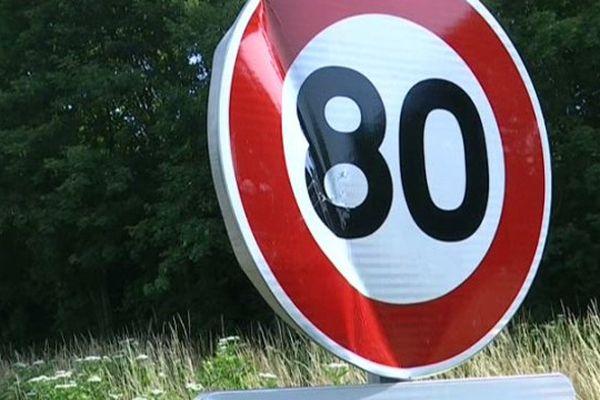 Sur la Nationale 151 dans l'Yonne, les panneaux limitant la vitesse à 80 km/h ont été vandalisés