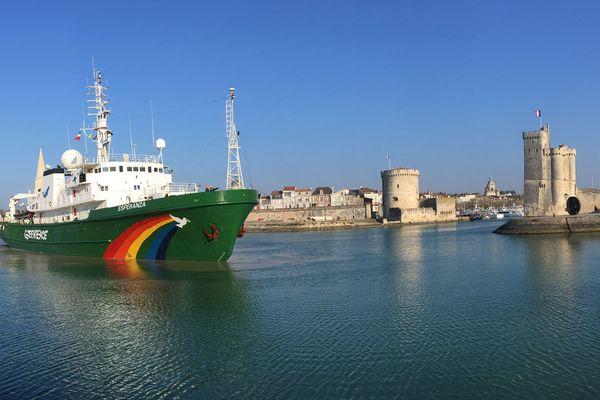 L'Esperanza lors de son arrivée à La Rochelle le 23 février 2018.