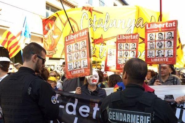 200 personnes sont venues manifester à Collioure à l'occasion de la venue de Perdo Sánchez, en soutien aux responsables politiques indépendantistes catalans jugés à Madrid