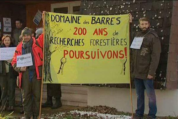Les chercheurs et les techniciens dénoncent le projet de délocalisation de l'Institut de recherche sur les organismes forestiers de Nogent-sur-Vernisson (Loiret) vers la région parisienne - 15 janv 2016