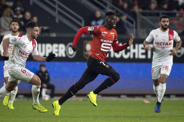 Le Stade Rennais a conclu son année 2018 en véritable boulet de canon, avec cinq victoires de rang, la dernière 4-0 contre le promu Nîmes, samedi, lors de la 19e journée de Ligue 1.