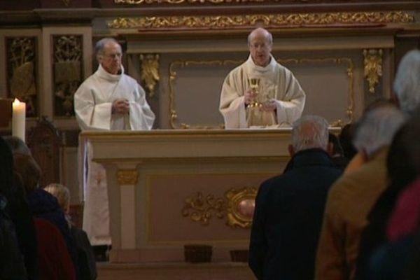 Le Père Alain Fournier, Vicaire général du Diocèse d'Annecy a célébré la messe dominicale à Megève.