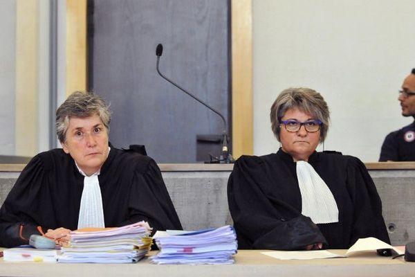 Riom (Puy-de-Dôme), le 29 septembre 2014: Isabelle Mimram et Joëlle Dièze, les avocates de Matthieu, photographiées le jour de l'ouverture du procès en appel du violeur et meurtrier présumé d'Agnès Marin