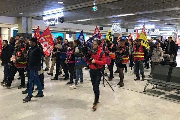 Dans le hall de l'aéroport de Toulouse-Blagnac