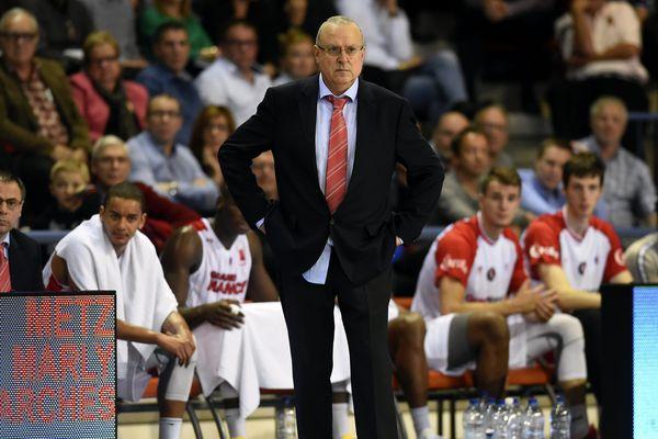 Alain WEISZ, entraîneur du Sluc. (archive : Palais des sports Jean Weille, Nancy 24 octobre 2015.)