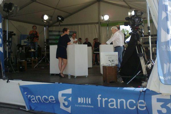 Le plateau de direct de France 3 au Congrès du PS