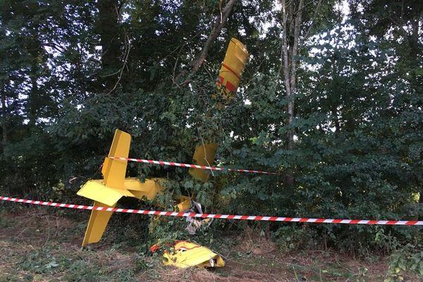 Les démineurs doivent désarmer le parachute de sécurité.