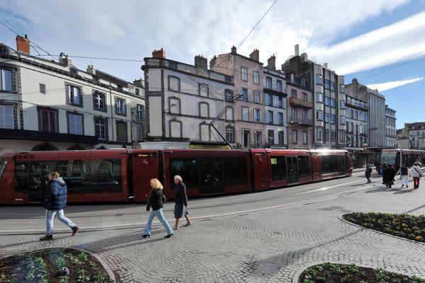 En raison de l'appel à la grève lancé, mardi 12 septembre, contre les ordonnances réformant le droit du travail, la circulation des transports en commun sera perturbée dans l'agglomération de Clermont-Ferrand.